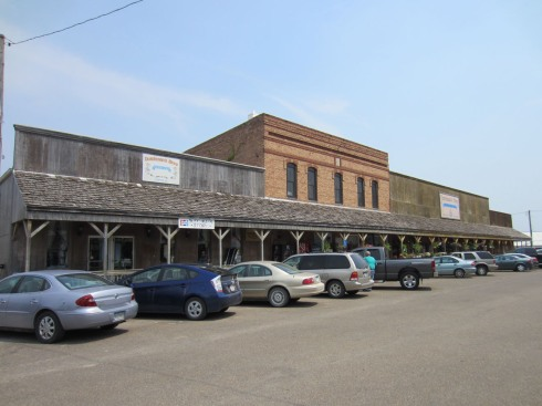 Dutchman Store block
